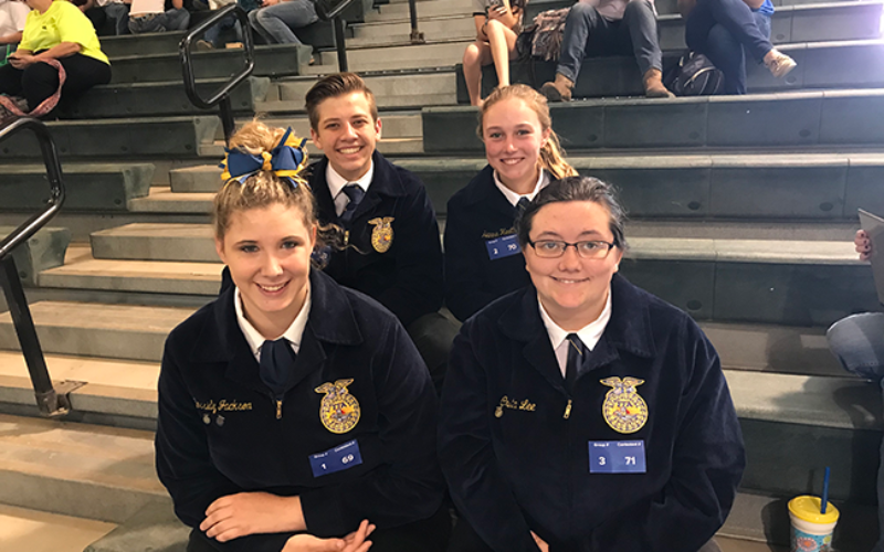 Lake Wales High School Horse Judging Team Heads to State